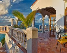 Caribbean home - patio - ocean view - Thierry Dehove photography
