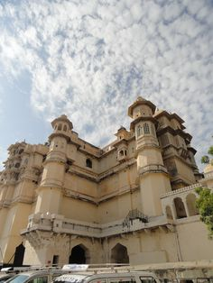 udaipur one of my favorite places in india... its colorful vibrant and warm..