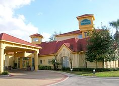 La Quinta Inn and Suites Tampa Central Hotel in Carrollwood, Florida Health Guru, Health Class, Health Trends, Top Hotels, Hotels And Resorts, Vacation Travel, Travel Usa, Switzerland Trip, La Quinta Inn