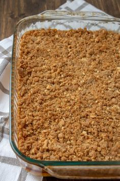 A delicious, sweet butternut squash casserole that's a holiday family favorite dessert! The crunchy topping is to die for and it makes enough to feed the whole family at Thanksgiving or Christmas! Mashed Butternut Squash, Butternut Squash Casserole, Squash Cassarole, Glass Baking Dish, Peanut Butter Recipes, Casserole Recipes, Vegetable Recipes, Sweet Tooth, Cooking Recipes