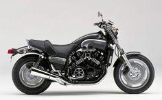 Yamaha 1200 V-Max: http://www.lyonaumasculin.com/2015/05/5-motos-de-choix-pour-collectionneur-averti.html