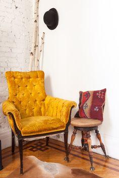 A Cozy, Classic & Minimal Brooklyn Brownstone