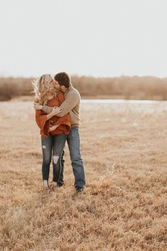 What to wear engagement photos. What to wear engagement photos. Engagement Photo Shoot Poses, Fall Engagement Outfits, Rustic Engagement Photos, Engagement Photo Inspiration, Engagement Pictures, Engagement Photography, Wedding Photography, Country Engagement, Engagement Ideas