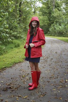 Hooded Raincoat, Green Raincoat, Hooded Cloak, Pvc Raincoat, Plastic Raincoat, Wellies Rain Boots, Hunter Rain Boots, Ladies Wellies, Style