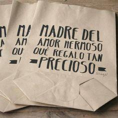 Pack de 5 bolsas kraft Madre del amor hermoso, qué regalo tan precioso. Diseño de Mr.Wonderful. A la venta en: http://www.mrwonderfulshop.es