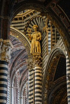 #CULTURA #STORIA #SIENA San Bernardino Under the dome of the Duomo of Siena Photo of Sam Boone on Flickr