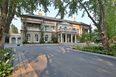 Stately Neoclassical mansion :: Toronto, Canada