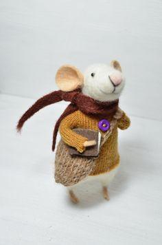 ♡ Little Traveler Mouse unique needle felted by feltingdreams