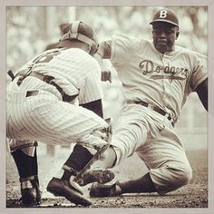 hatter64I just watched 42 and I would like to pay tribute to Jackie Robinson for paving a road that we could follow and showing that it doesnt matter what you look like all you have to is play the game #42 #Legend #JackieRobinson