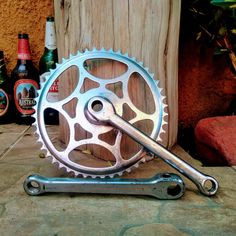 Plates, Bicycle Types, Riding Bikes, Racing Wheel, Licence Plates, Dishes, Griddles, Dish, Plate