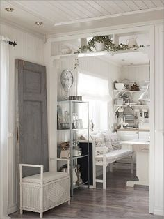 Det gode liv: Tenk at jeg har… Cozinha Shabby Chic, Small White Kitchens, Ikea, Grey Flooring, Little Houses, Simple House, Home Fashion, My Dream Home, Decoration