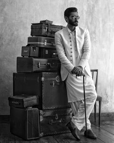 Kurta Designs, Gentleman Style, Bellisima, Designer, Menswear, Mens Fashion, Statue, Actors, Black And White