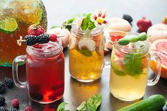 Discover how to make healthy homemade ice tea with or without sugar with variations of fruits, black Keto Crockpot Recipes, Dog Food Recipes, Fun Cocktails, Summer Drinks, Sangria, Tequila, Homemade Iced Tea, Making Iced Tea, Rum