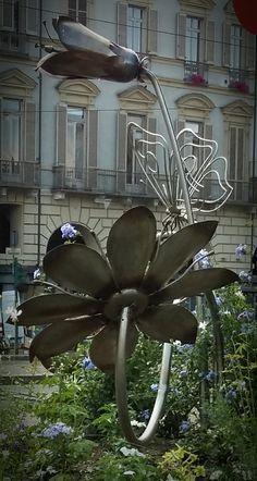 In piazza Castello - dettaglio