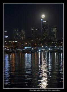 010_Bad Sydney Super Moon Arising by Gary Hayes, via Flickr
