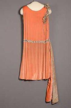 Tweedelige avondjurk bestaande uit (1927 - 1928) Margaine Lacroix. Velours.  Inventarisnummer 9997/001-022