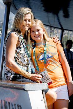 Prinses Amalia met haar moeder Maxima (NL)
