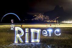 RIOetc | Use a lanterna como spray  Um mergulho no lightpainting ousado de Henrique Madeira