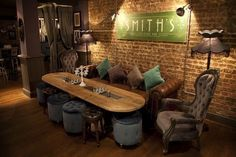 Wish to make a coffee bar style in your home? Overwhelmed the design? Take it easy, you can see a few of the layouts we supply to discover your imaginative suggestions here bar coffee bar coffee bar Floor Seating, Lounge Seating, Corner Seating, Lounge Areas, Bar Lounge, Cocktail Bar Interior, Cocktail Bar Design, Speakeasy Decor, Basement Bar Designs
