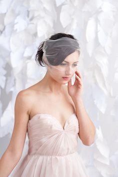 Tulle bandeau birdcage veil  Ready to ship von TessaKim auf Etsy, $50,00