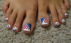 Cute 4th of July toe nail design. I am going to figure out how to do this! :-)