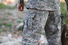 Na zadku a na kolenách je zdvojená látka, pretože práve v týchto miestach sú nohavice najviac namáhané. Ideálny typ na hranie airsoftu, military game, bežné nosenie. http://www.armyoriginal.sk/3114/126672/maskace-tdu-revenger-at-digital-invader-gear.html