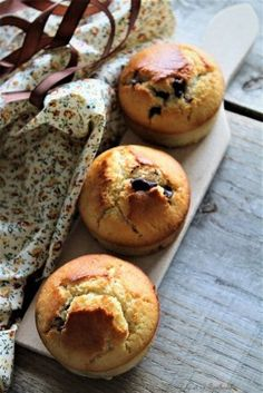 Chocolate chip muffins {by Cyril Lignac} Lolo and his Tambouille - Trend Healthy Cocktail Recipes 2019 Apple Tea Cake, Cinnamon Tea Cake, Lemon Tea Cake, Russian Tea Cookies, Russian Tea Cake, Morning Glory Muffins, Chocolate Tea Cake, Chocolate Chip Muffins, Donut Muffins