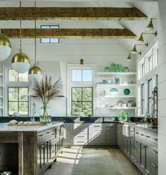 8 Dreamy ideas to give your kitchen a vintage farmhouse vibe