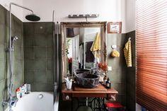 Der Vintage Stil prägt das Ambiente dieser Wiener Wohnung