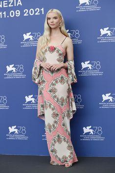 Celebrity Red Carpet, Celebrity Look, Anya Taylor Joy, Dior Haute Couture, Gowns Of Elegance, Red Carpet Fashion, Film Festival, Strapless Dress, Vestidos