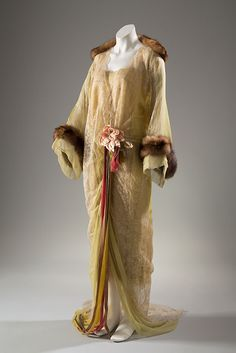 Tea Gown: ca. 1918, American, silk chiffon, lace, mink, silk flowers, velvet ribbons.