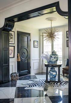 Djursholmsvillan är som klippt ur en scen i The great Gatsby, titta in! 1920s Interior Design, Luxury Interior, Interior And Exterior, Interior Decorating, Modern Interior, Modern Decor, Luxury Furniture, Black Trim Interior, Decor Room
