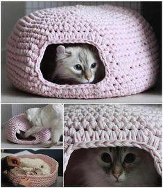 Crochet-Cat-Cave