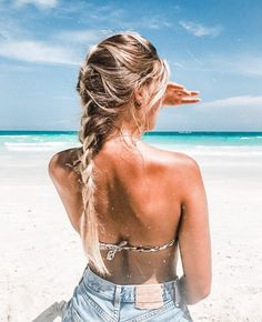 Image about girl in tropical vibes by louu on We Heart It Summer Pictures, Beach Pictures, Prom Pictures, Summer Beach, Summer Vibes, Beach Tan, Beach Foto, Beach Poses, Tan Girls