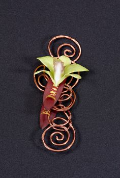 OASIS Decorative Wire with a beautiful orchid will set your boutonniere apart from the others this prom season!