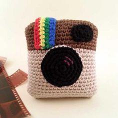 Instagram camera amigurumi pattern - cal registrar-se a la pàgina per a obtenir el patró