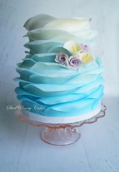 Ombre blue ruffle wedding cake by Elysia Smith, Steel Penny Cakes Beautiful Wedding Cakes, Gorgeous Cakes, Pretty Cakes, Cute Cakes, Amazing Cakes, Fondant Cakes, Cupcake Cakes, Bolo Minnie, Round Wedding Cakes