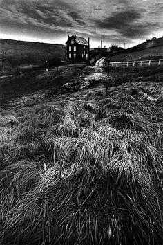 Jeanloup SIEFF :: La maison de monsieur Lefeu / Les Petites Dalles, 1980