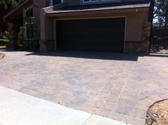 Flagstone paver driveway in the city of Brea, Ca.