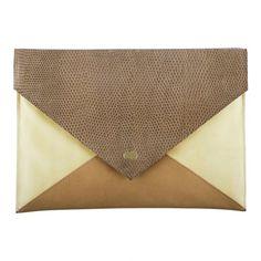 EMILIE - Mit der Clutch EMILIE kannst du bei jedem Anlass glänzen. Diese modische Envelope Clutch bietet genügend Platz, um neben Geldbörse und Co. sogar dein iPad zu verstauen. Die wichtigsten Kleini