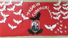 29 Ekim #cumhuriyet #bayram #class International Day, Art Classroom, Art Education, Kindergarten, Preschool, Christmas Ornaments, Holiday Decor, Google, Ideas