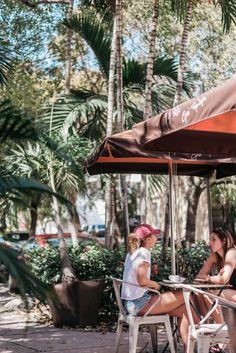 A La Folie Cafe | Espanola Way | Miami Beach | Florida | RedBarberry.com