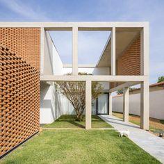 Galeria de Casa Grid - Bloco Arquitetos