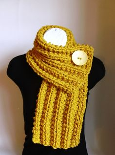 Laura's lovely fibers - Mustard Yellow Chunky Knit Cowl