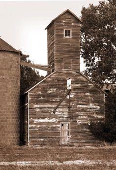 Grain Elevator in Burdick, Kansas. Fred Lassmann