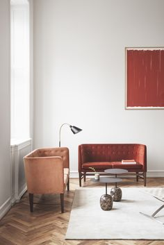 Mayor sofa's by Arne Jacobsen & Flemming Lassen and Bellevue floor lamp by Arne Jacobsen