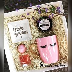 Hey gorgeous! Isnt this just too cute to be packed in an hamper?! Gift this winning box full of happiness to your loved one and have a perfect evening! #hamper #gifts #valentines #cute #couples #love #indore #creartination