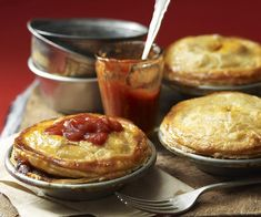 The Kmart pie maker has taken Australian kitchens by storm. Here, we've shared our favourite recipes that adapt easily (and deliciously!) to your Kmart pie maker. Beef Pies, Mince Pies, Key Lime Pie, Beef And Mushroom Pie, Mini Pie Recipes, Pork Recipes, Individual Pies, Fish Pie, Food To Make