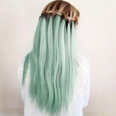 i am a HUGEE fan of pastel hair and this takes it to a whole new level!!