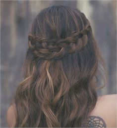 Pretty braided do for wedding or everyday. Hair: Hair and Make-Up By Steph ---> http://www.weddingchicks.com/2014/05/10/bohemian-forest-themed-wedding-ideas/